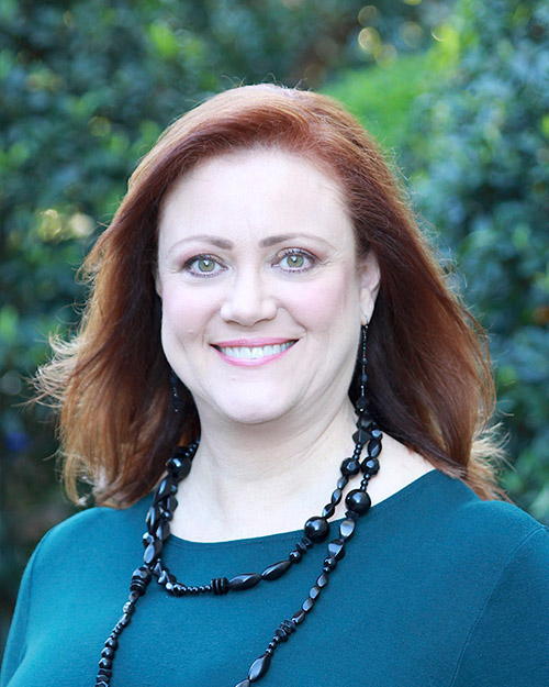 Alyse Hipes, Investor Services Representative